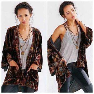 NWOT Ecoté Crushed Velvet Kimono